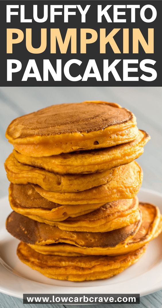 fluffy keto pumpkin pancakes